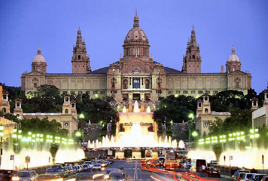 Qué visitar en Barcelona – plazas, fuentes, iglesias, monumentos y atracciones