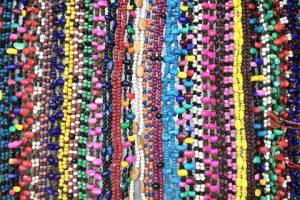 Venta de collares en Oaxaca